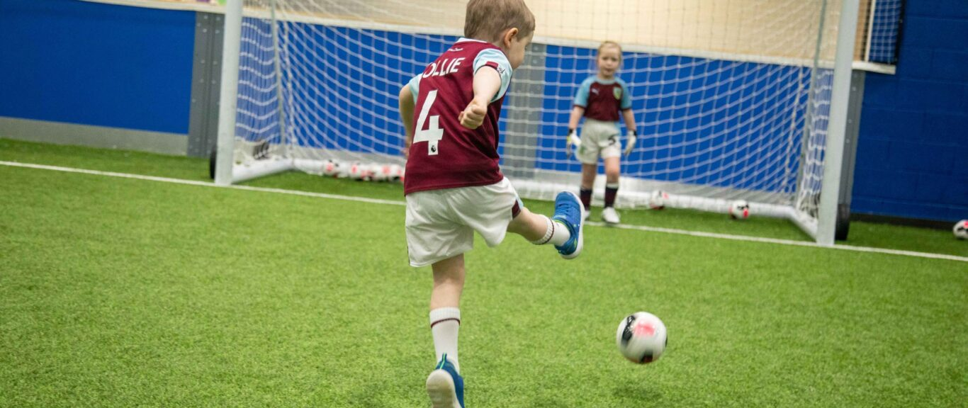 SOCCER SCHOOLS AT NELSON & COLNE COLLEGE THIS JUNE!